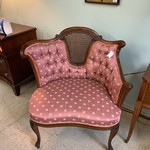 1-33289 Vintage Tufted Chair