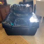 1-33478 Black Sofa Chair
