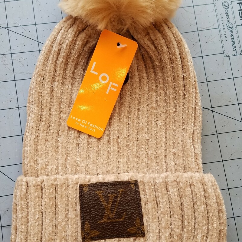 LV RECYCLED HAT.