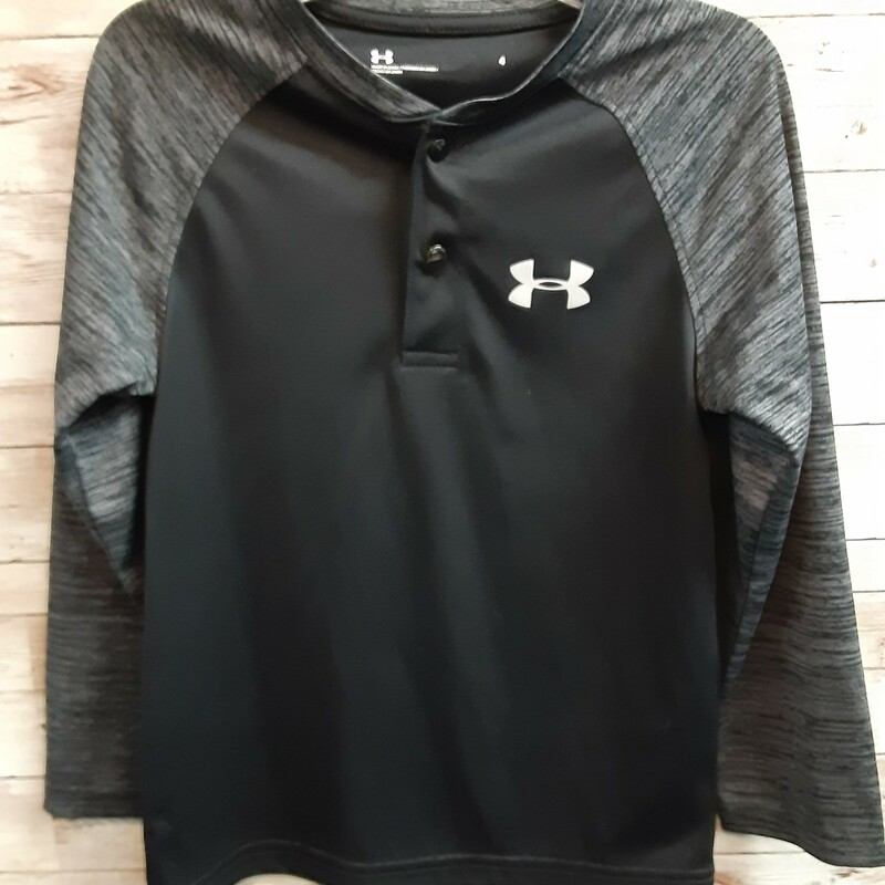 Under Armour Top, Black, Size: 4T Boys