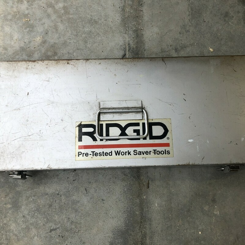 "Ridgid UNC Model 00-RB Exposed Ratchet Bolt Threader Set. 1/4""-20 - 1""-8<br /> <br /> *EXCELLENT CONDITION*"