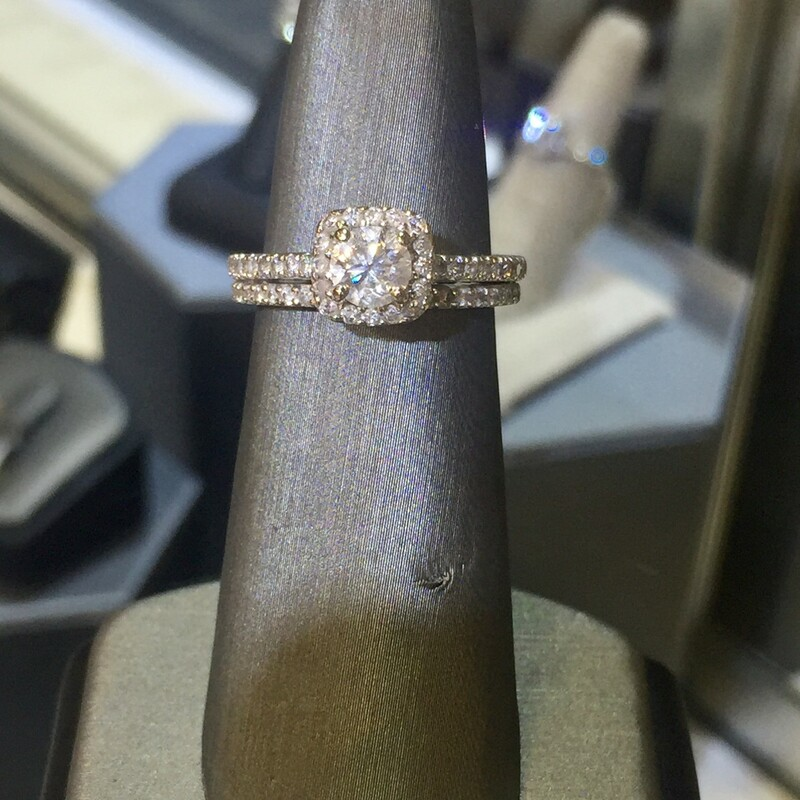 14KT WHITEGOLD<br /> WEIGHT 2.9 DWT<br /> FINGER SIZE 6<br /> (CAN BE RESIZED)<br /> APX. 3/8CT RB DIAMOND CENTER WITH RB  PAVE SET HALO &BAND APX. 1CTTW<br /> SOLDERED SET<br /> (CAN BE UNSOLDERED)<br /> <br /> <br /> <br /> <br /> 14kt Wg 3/8ct 1tw Halo Ri, WHITE, Size: VCHH