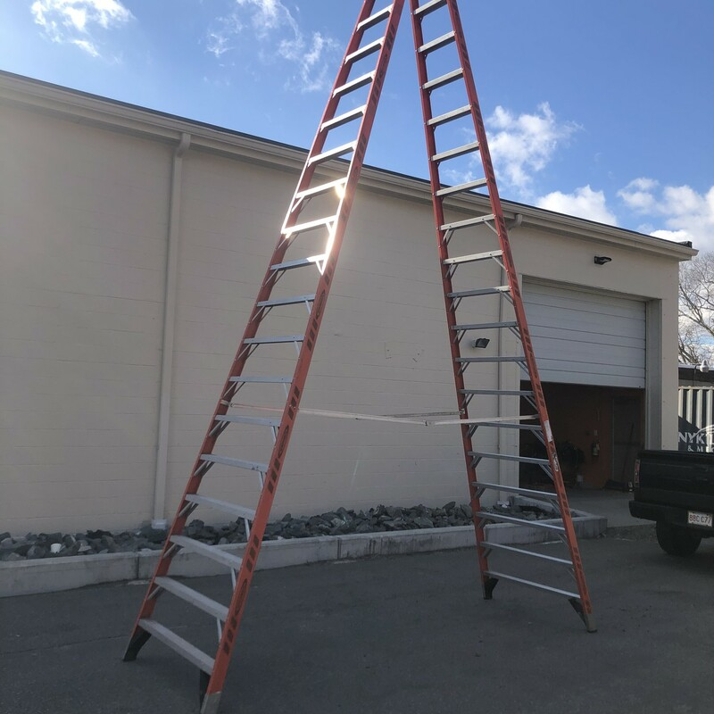 Fiberglass Step Ladder.