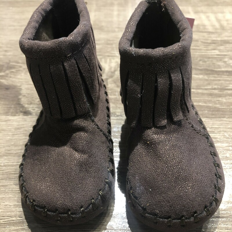 Old Navy Infant Bootie.