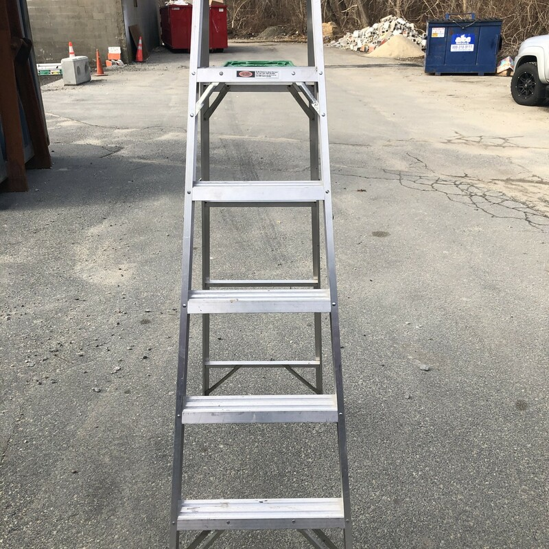 Aluminum Step Ladder.