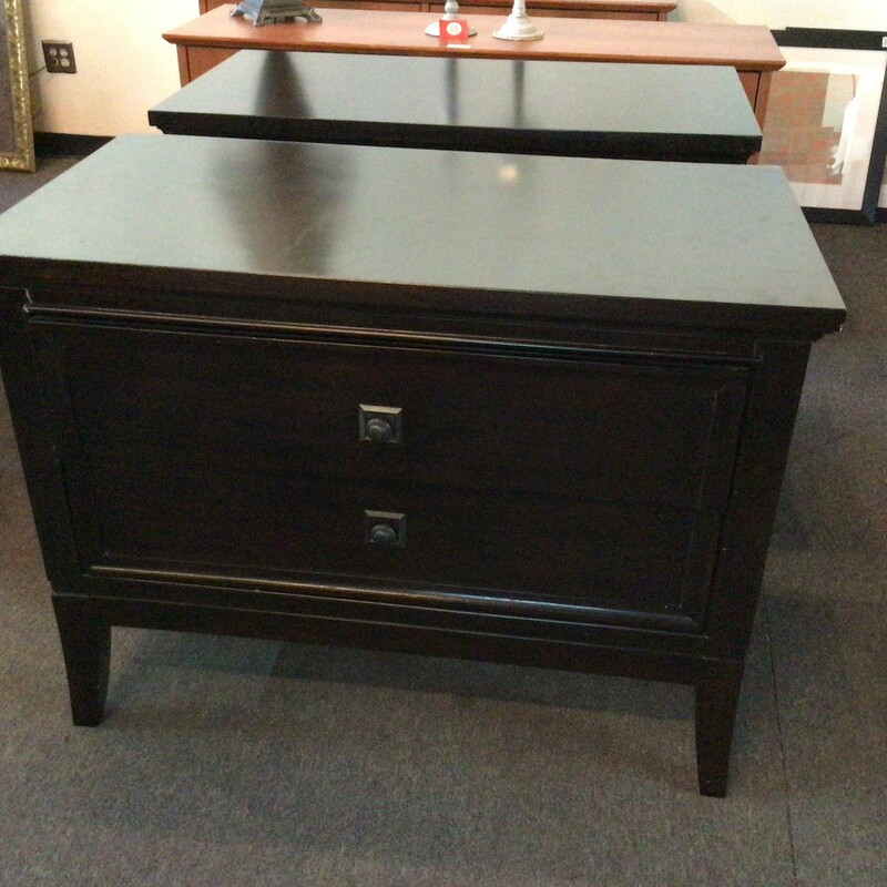 Set Of 2 Lg Nightstands.