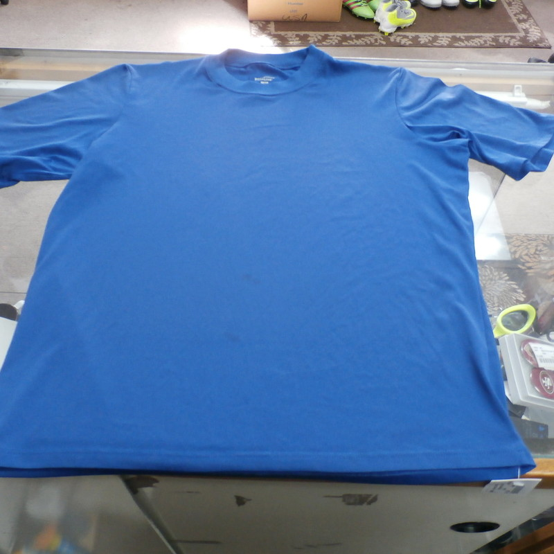 "Patagonia Capilene Men's Short Sleeve Shirt Size Small Blue Polyester #25930<br /> Rating: (see below) 2 - Great Condition<br /> Team: N/A<br /> Event: N/A<br /> Brand: Patagonia<br /> Size: Men's - Small (Measured: Across chest 19"" , length 23"")<br /> Measured: Armpit to armpit; shoulder to hem<br /> Color: Blue<br /> Style: short sleeve shirt; screen pressed logos<br /> Material: 100% Polyester<br /> Condition: 3 - Good Condition - wrinkled; material looks and feels great; stains throughout the front; few snags; normal signs of use; no rips or holes<br /> Item #: 25930<br /> Shipping: FREE"