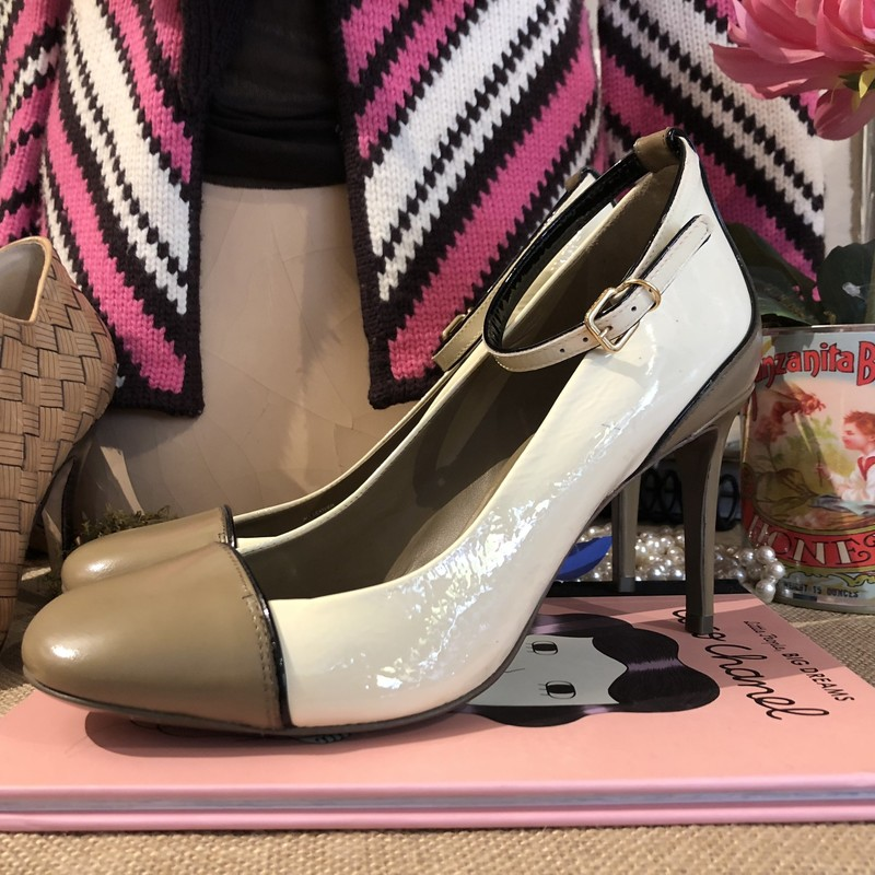 TORY BURCH Pumps Sz 8.5, WHITE, Size: 8.5<br /> Patent leather. Great neutral, dressy shoe.