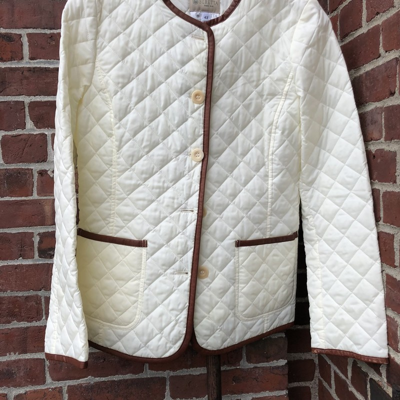 Beretta Quilted Jacket, White, Size: Medium<br /> Excellent condition, Thermal lightweight jacket