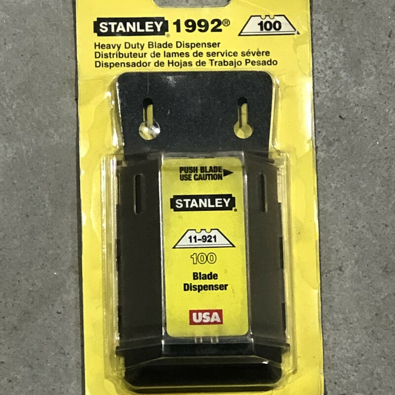 Stanley 11-921A Blade Dispenser. 100 Count<br /> <br /> *NEW IN PACKAGE*<br /> <br /> *MADE IN USA*