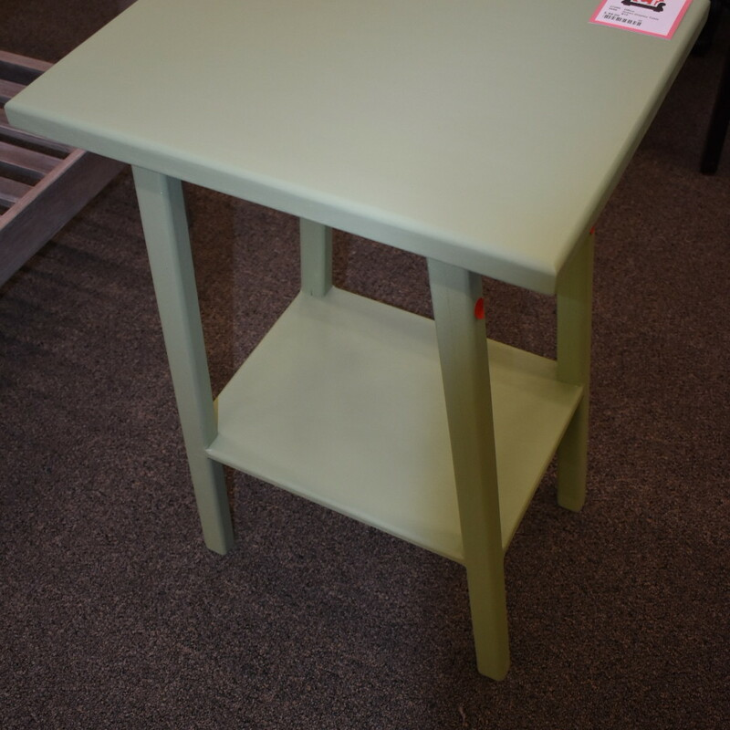 Green Display Table.