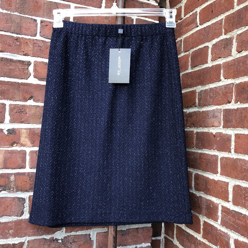 St. John NWT Skirt, Navy, Size: 4<br /> New with tags, originally $495. Navy knit with metallic accent.