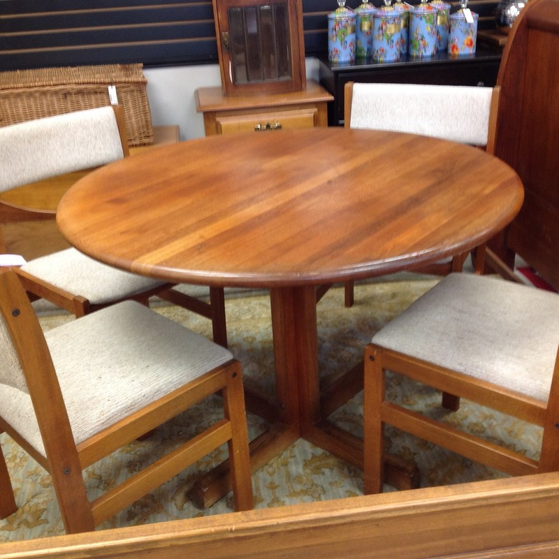 Danish 42in Table/4 Chair