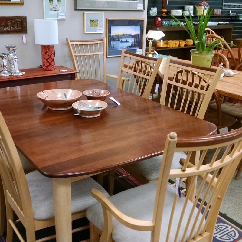 Two-Tone Table 60 x 40 with one 18&quot; leaf<br /> 2 Arm Chairs and 4 Armless Chairs