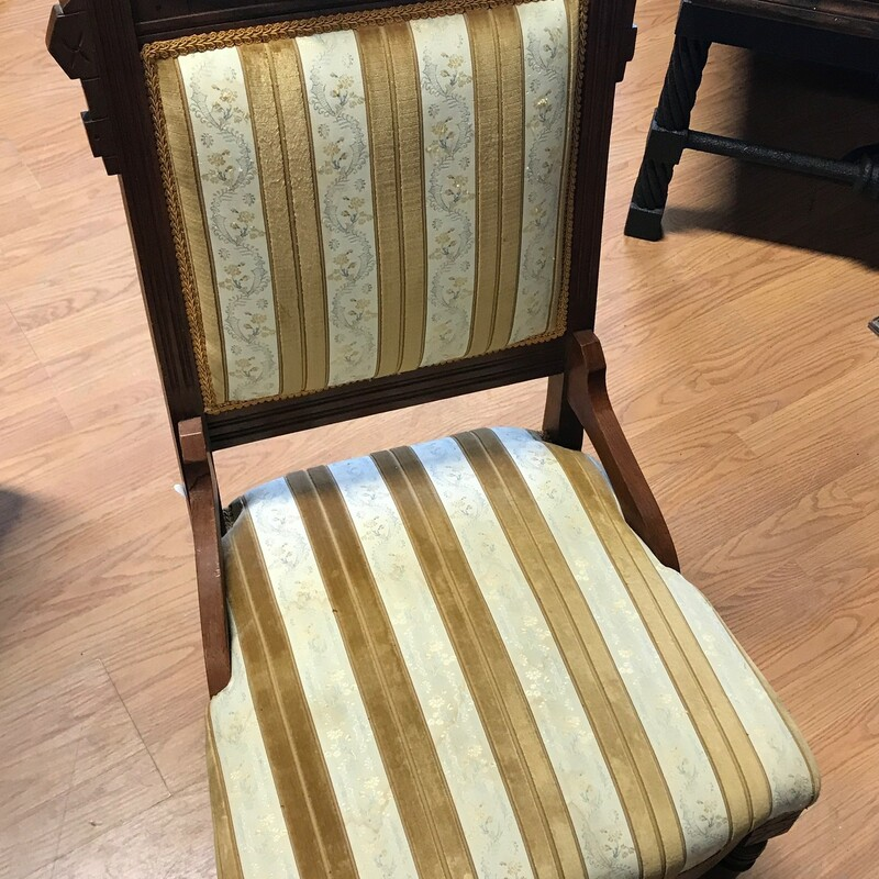Antique Eastlake Chair, Wood, Victorian<br /> Size: