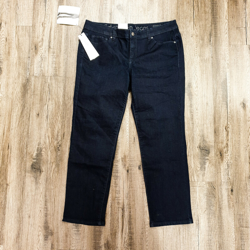 "Beautiful Calvin Klein Jeans.<br /> - Brand new<br /> - ""Ultimate Skinny"" style<br /> - Dark blue color<br /> - Real front and back pockets<br /> - Stretchy<br /> - Waist circumference: 35 in.<br /> - Length: 35 in.<br /> - Size Small/6<br /> <br /> * Please note that these measurements and pictures are for reference only and may vary slightly from the original."