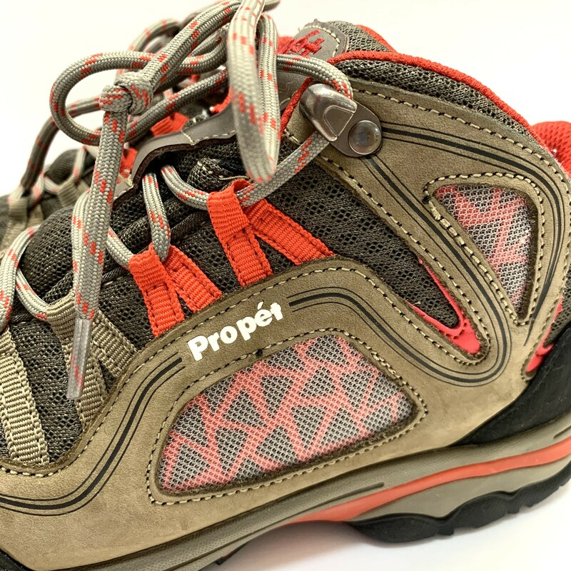 Propet Peak Boots<br /> Brown & Red<br /> Size: 7.5