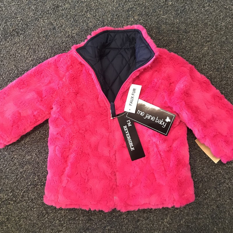 NEW! Faux Fur Coat, is reversible and super soft!.  The reversable side is a quilted material