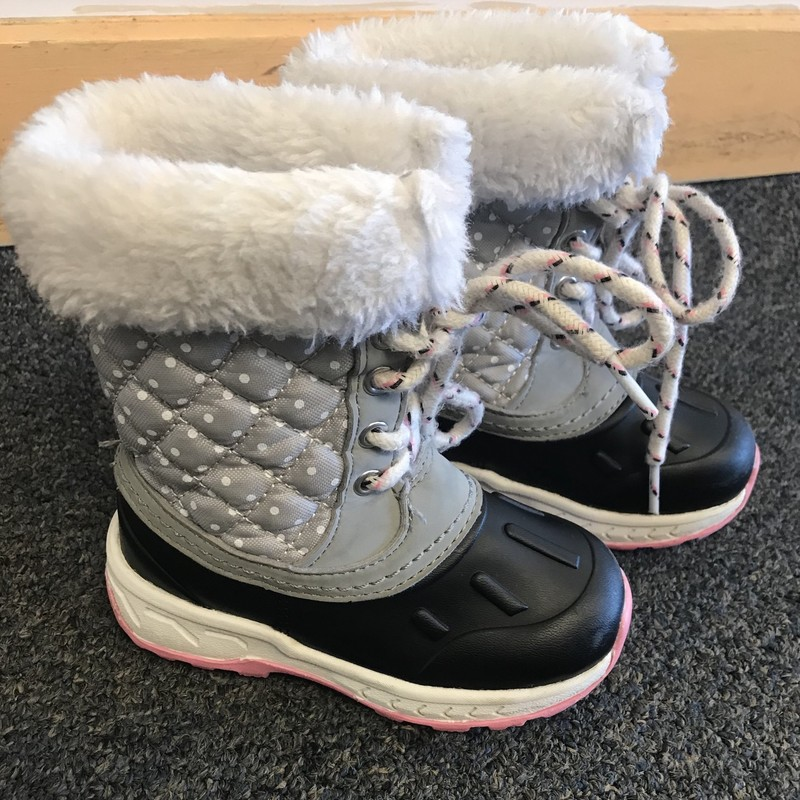 Carters Snow Boots in excellent condition