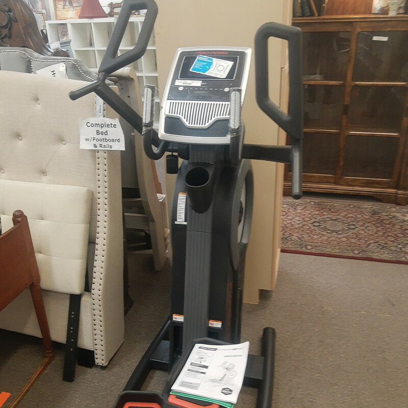 Proform Carbon H7 Elliptical. Was new in box we assemble and test.