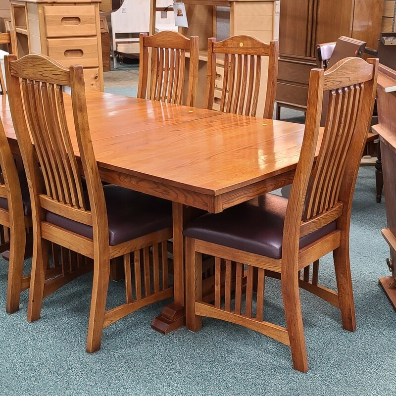 TABLE + 2L + 6 CHAIRS.