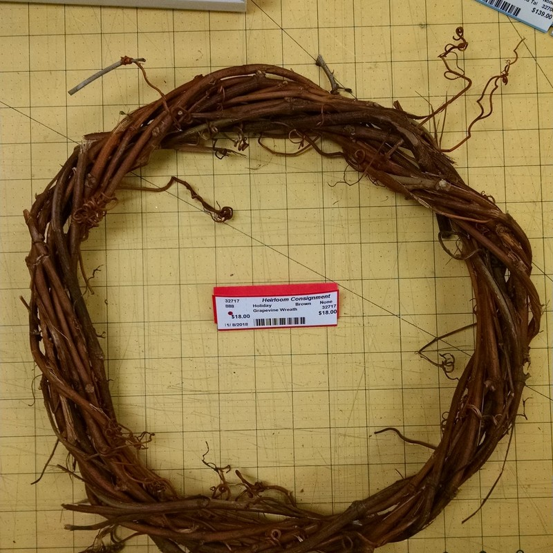 Grapevine Wreath, Brown, Size: None