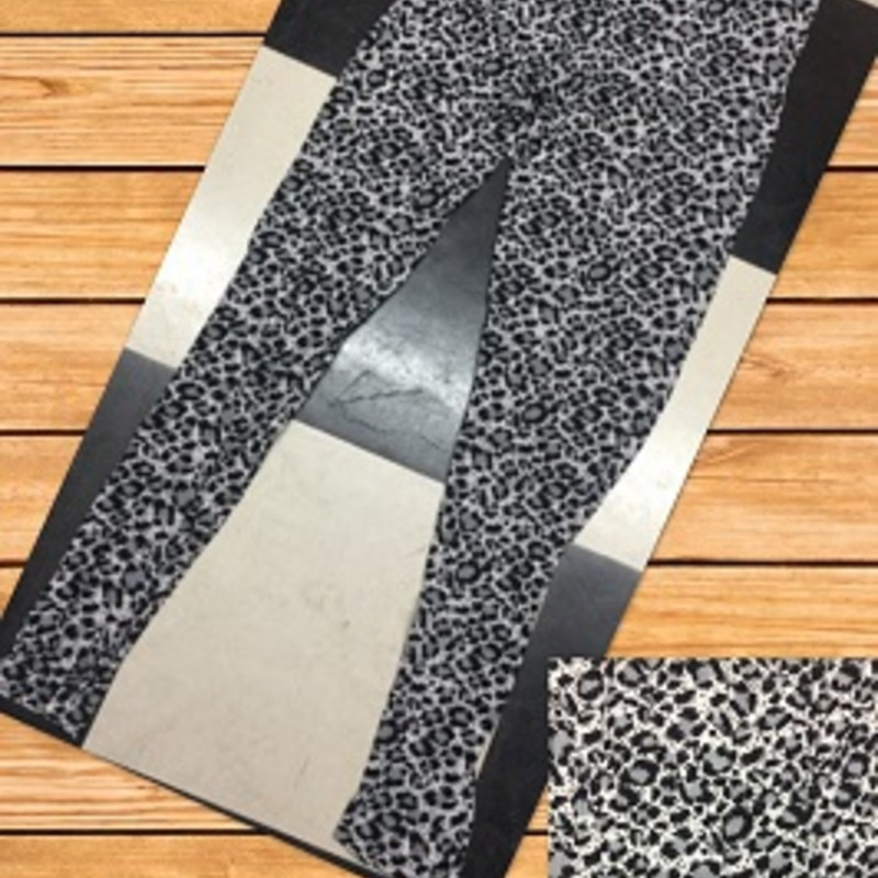Check out our new arrived Cheetah Print Leggings, they are so cute and you can wear them all year round. Christmas is coming up right around the corner and these will make a perfect gift. The material is made of 92% Polyester 8% Spandex with an inseam of 29in.