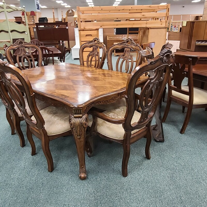 TABLE W/6 CHAIRS 2L.
