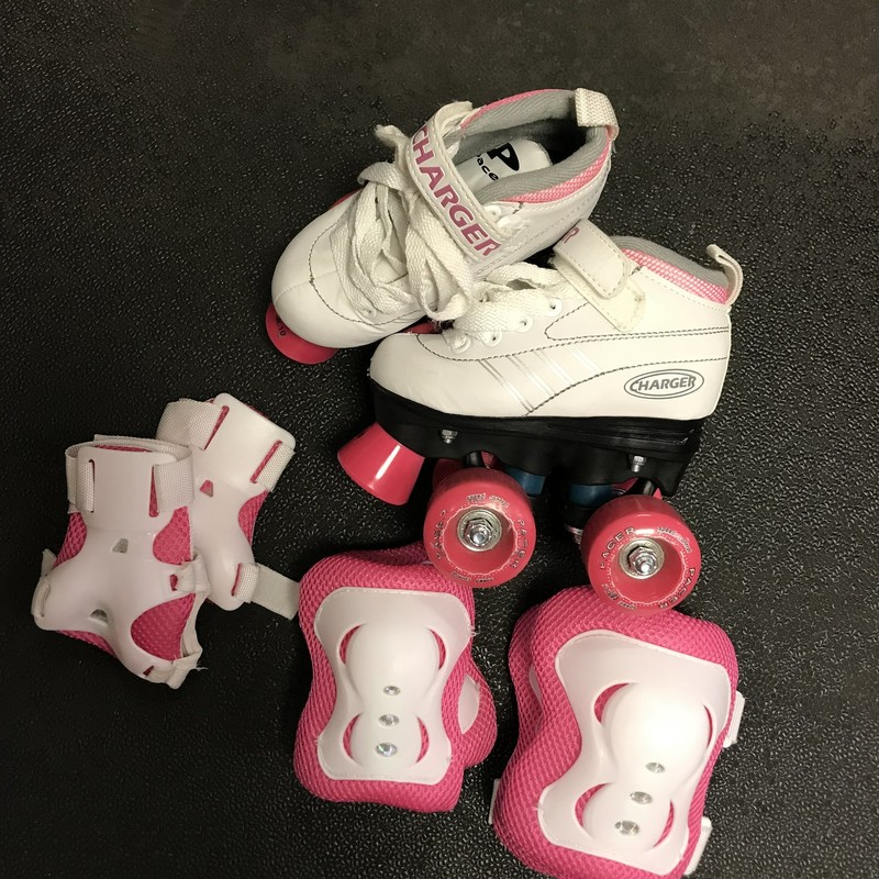 Girls Roller Skates W/knee pads,elbow pads, and wrist guards all in excellent condition!