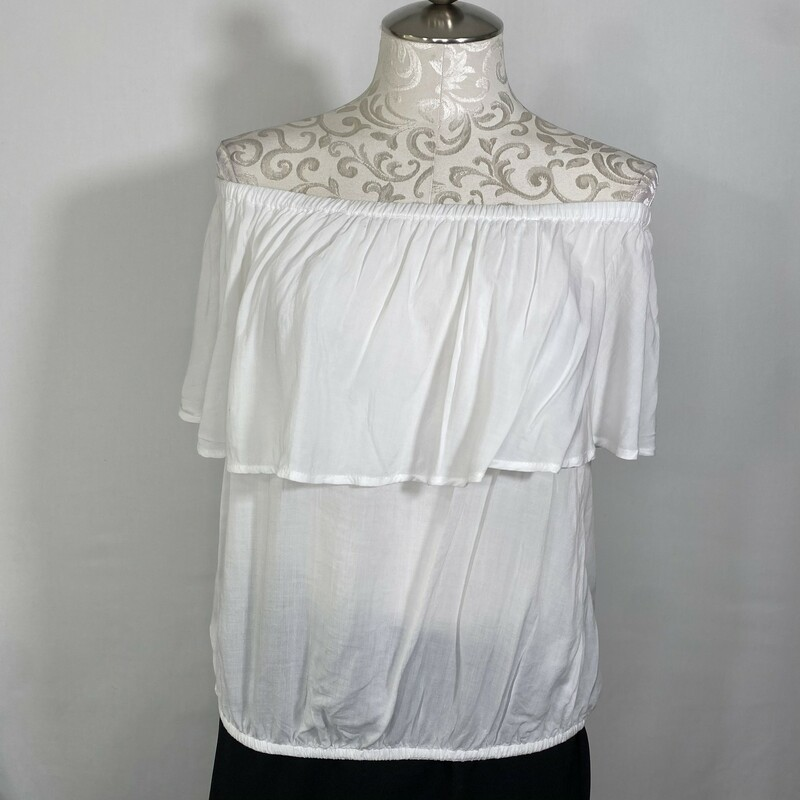 105-104 Express, White, Size: Medium white short sleeve shirt w/ ruffled collar