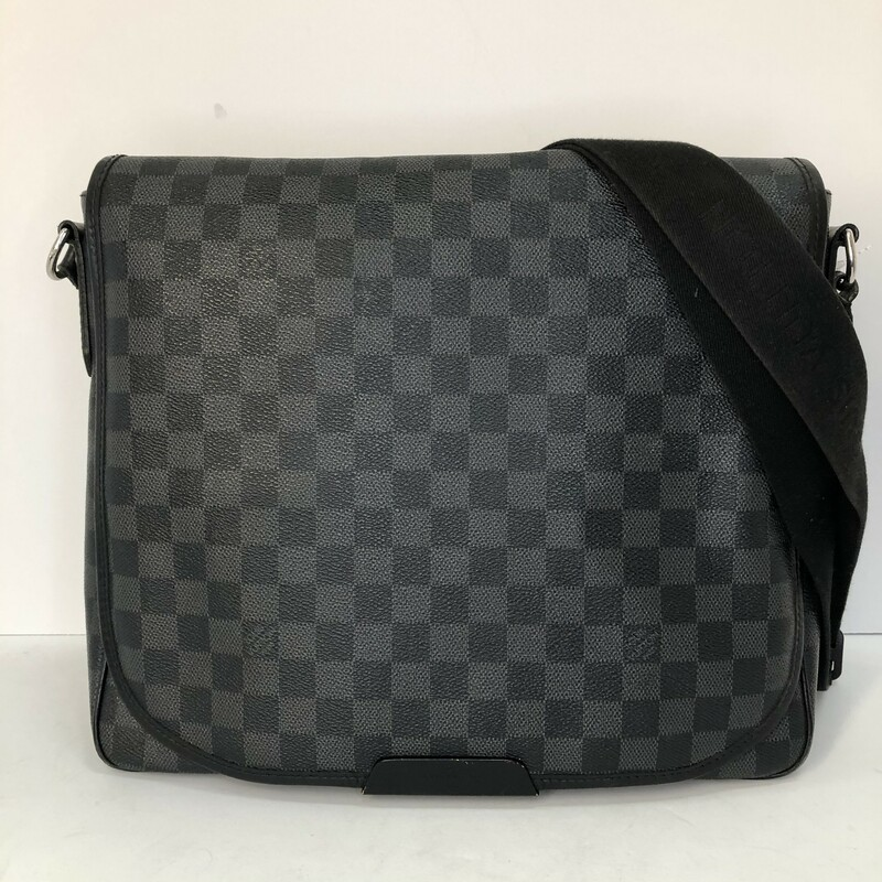 Louis Vuitton Daniel MM, $950.00