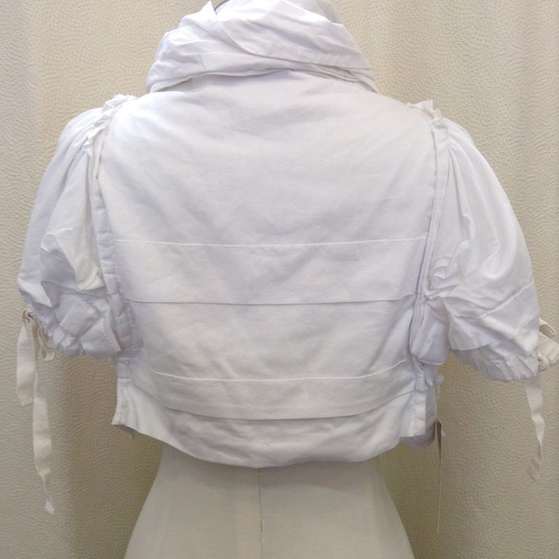 COMME DE GARCONS<br /> Tao Gather Crop Jacket<br /> White<br /> Size: Small