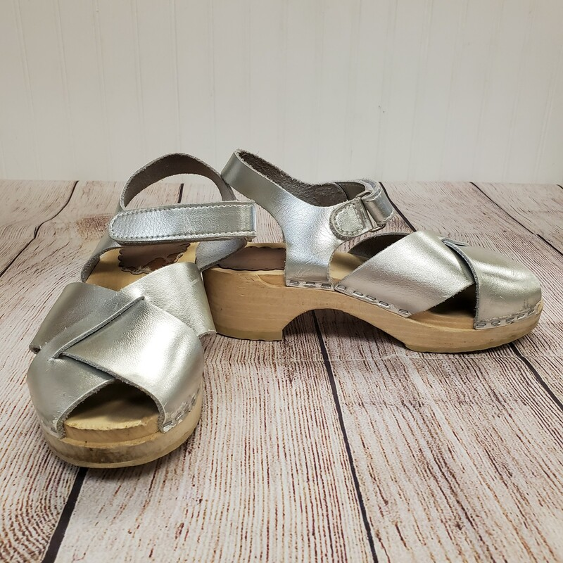 Hanna Andersson Wood Clogs, Silver, Size: Shoe 2