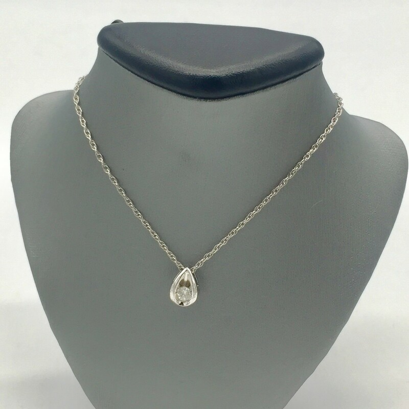 "14KT WHITE GOLD<br /> WEIGHT 1.4DWT<br /> 18"" WG CHAIN<br /> <br /> 1/4CT DIAMOND PENDANT"