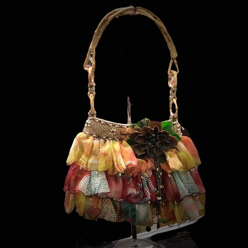 "MARY FRANCES<br /> Brand NEW with tags, extra beads if needed and dust cover.<br /> This is called the ""Pretty Please\"" bag!<br /> Absolutely Darling!"