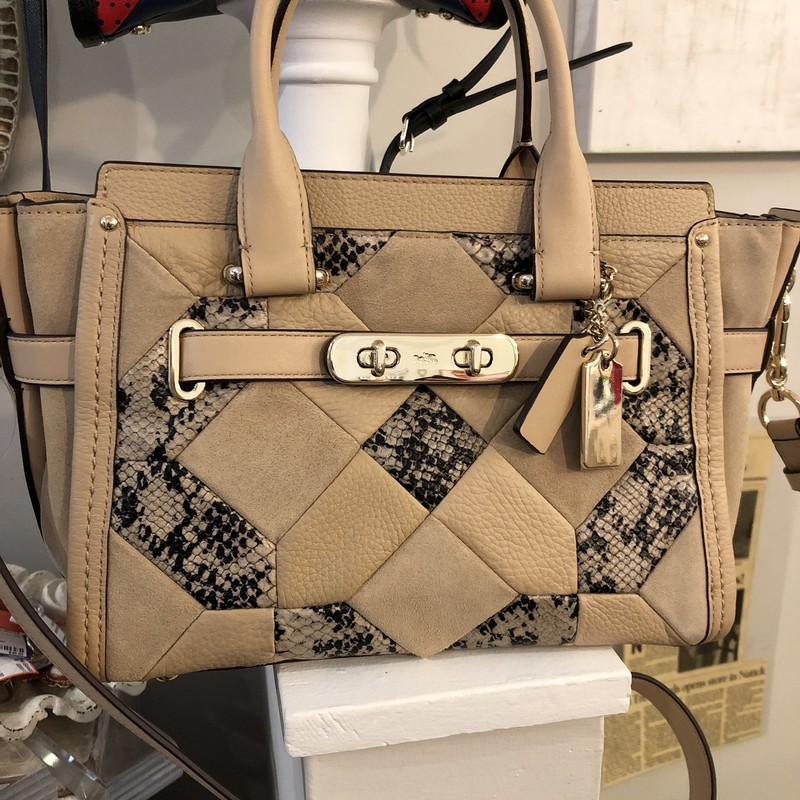 Coach Tan Crossbody, Tan Patc, Size: Crossbody<br /> Minor signs of wear, very good condition