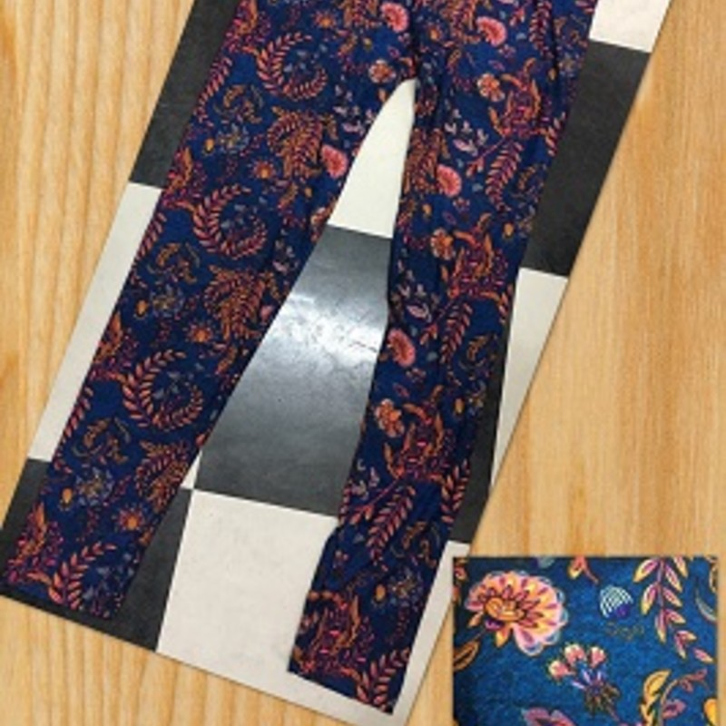 Get you a pair of our Floral Print leggings, theyy are super cute and will look good with your favorite top. The material is made of 92% Polyester 8% spandex with an inseam of 29in.