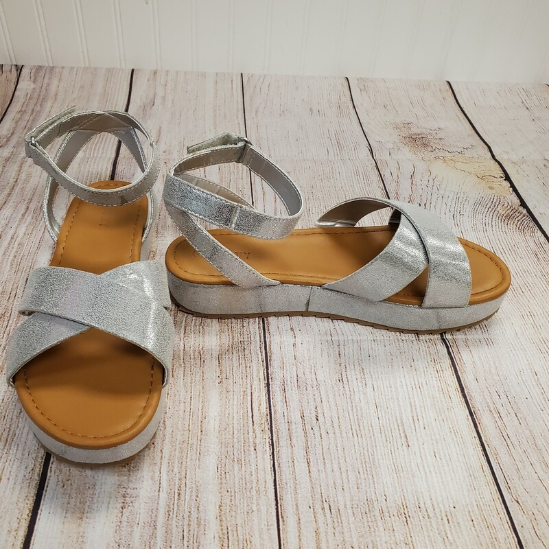Old Navy Sandals, Silver, Size: Shoe 3