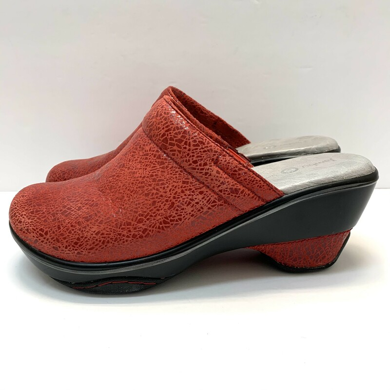 Jambu Dali Clogs<br /> Sport wedge design<br /> Ruby Red<br /> Size: 9