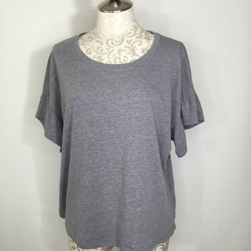 117-031 Calvin Klein, Purple, Size: Large Pale purple t-shirt with ruffle sleeves Cotton/ Polyester/Rayon