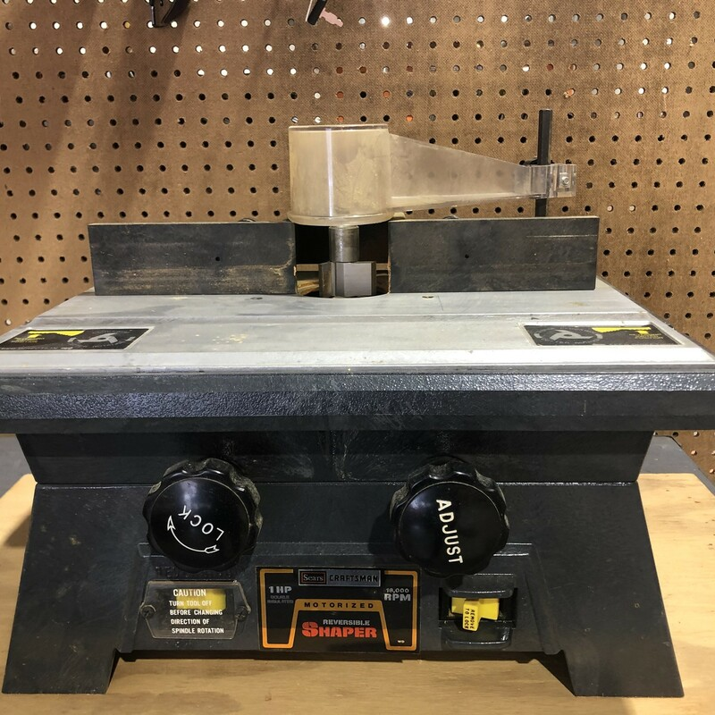 Craftsman 315.23760 Reversible Bench Top Shaper.<br /> <br /> *RUNS GREAT*