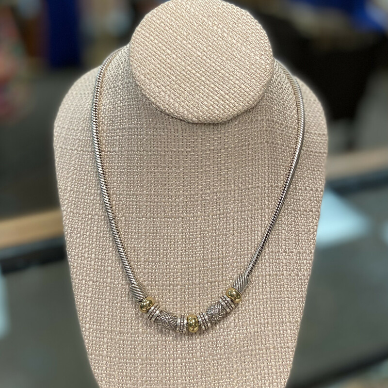 Silver/gld/bead Necklace.