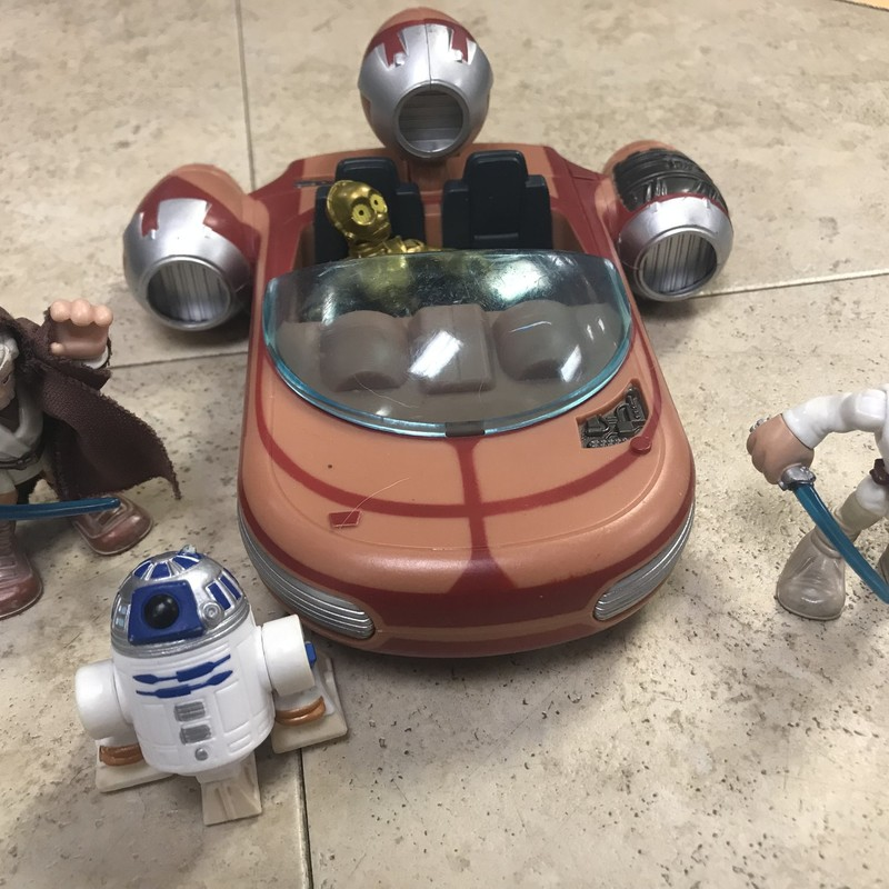 Star Wars Set/vehicle, ecxellent condition w/4 figures