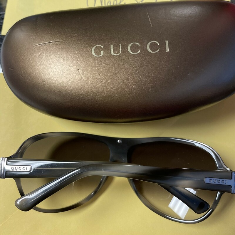 Aviator Sunglasses W/case, Greys, Size: 2pcs.  Lookin good in your new Aviator Sunglasses in excellent condition with case.