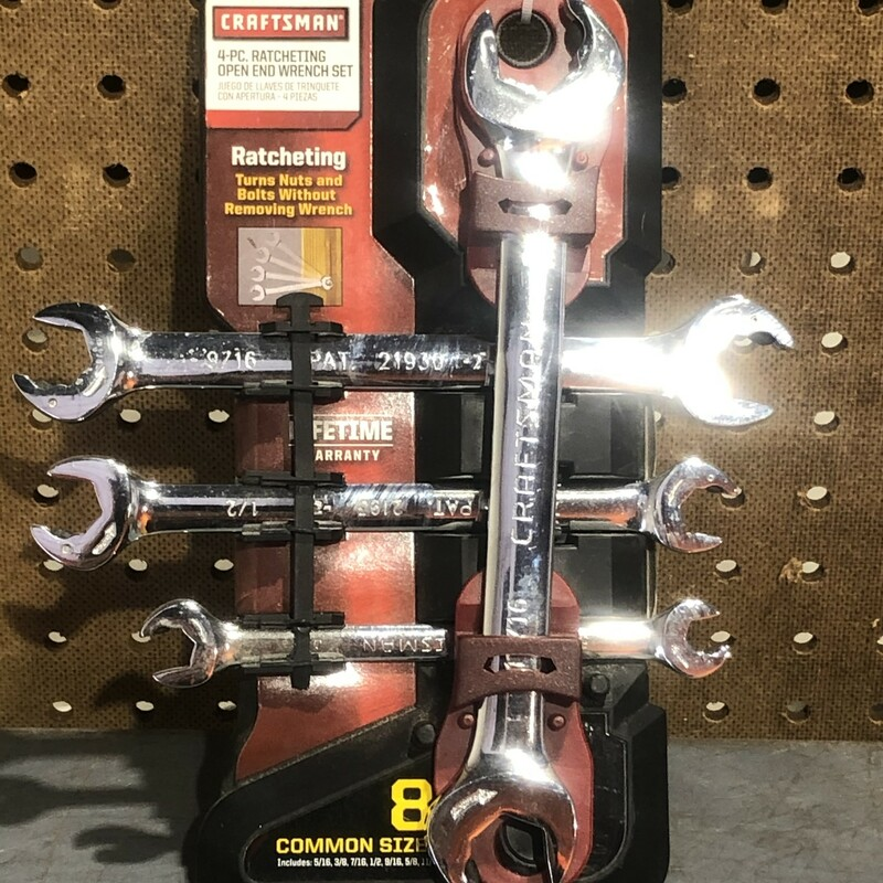 Ratcheting Wrench Set.