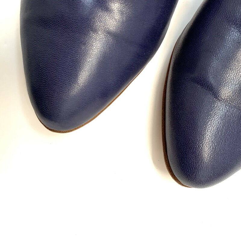 "ZOU XOU Leather Mules<br /> Retails $245<br /> Cut-out mule in navy glazed kidskin and undyed lambskin lining. natural outsole and stacked leather 18 mm (3/4"") heel. made in Argentina<br /> Size: 10"