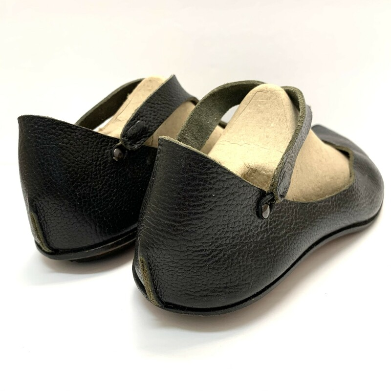 Cydwoq Shoes<br /> Black Leather<br /> Size: 9