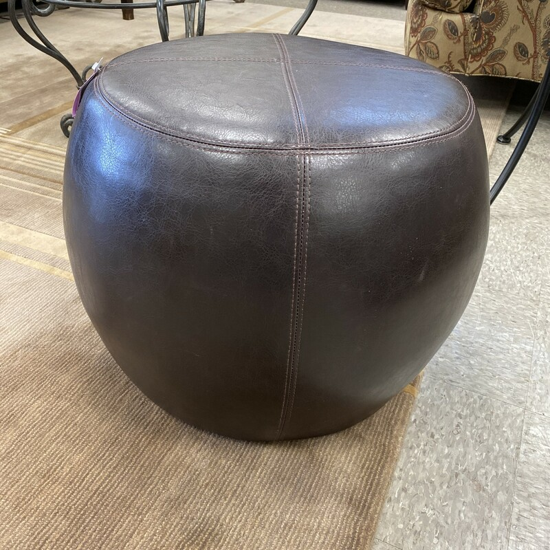 Leather Round Tuffet Otto.