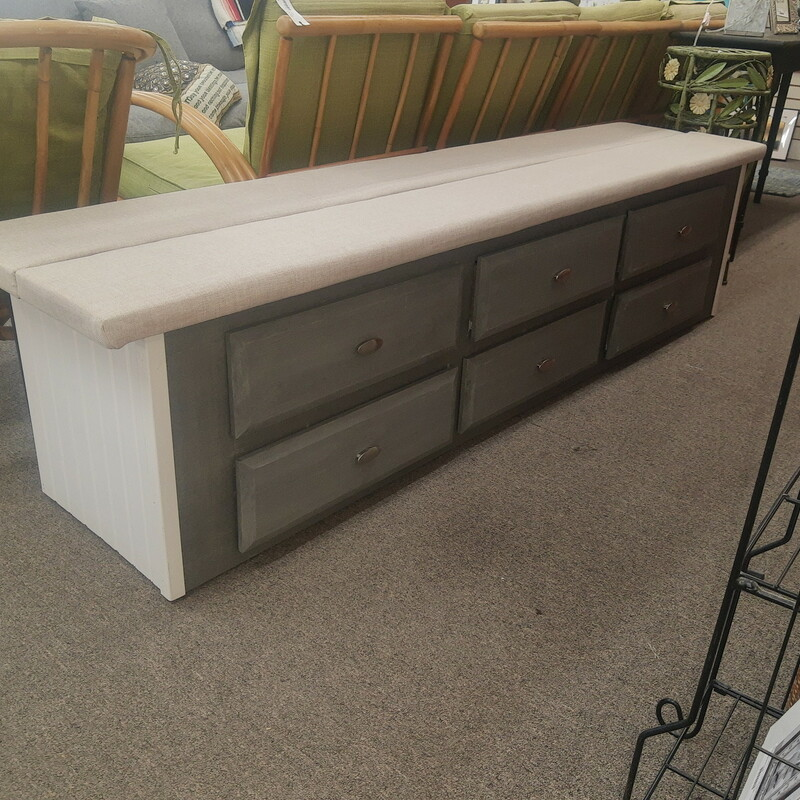 Large Bench W Drawers, 6 drawers.