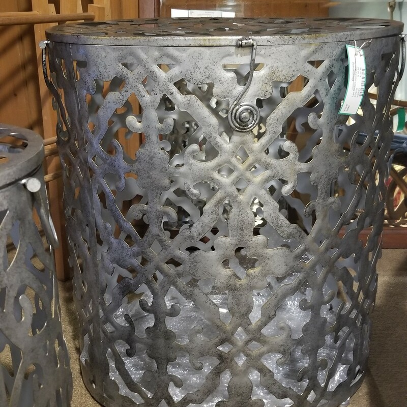 Lge Metal Laundry Basket.
